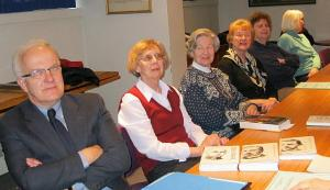 Loengul. Vas.: prof. Jüri Kivimäe, lektor dr. Sirje Kivimäe, Marina Winters, Ingrid Saar, Helge Kurm ja Asta Lokk. Foto: Vaike Rannu  - pics/2011/04/32134_1_t.jpg