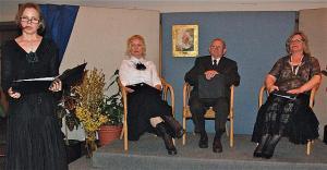 Pärastlõuna marie Underiga. Piret, Merli, Eerik ja Eda Foto: Peeter Põldre - pics/2011/04/32136_1_t.jpg