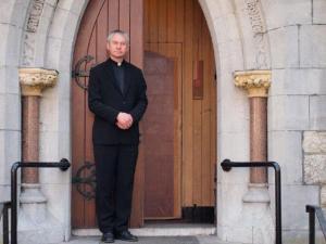 Foto: St Finians Church Dublinis - siin jagab Kalmer Kesküla eestikeelset jumalasõna F: Erakogu  - pics/2011/04/32142_1_t.jpg
