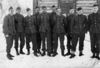 Korpuse ridades seisab vasakult  kolmandana Oskar Kull, foto on pärit aastast 1941  - pics/2011/05/32290_1_t.jpg