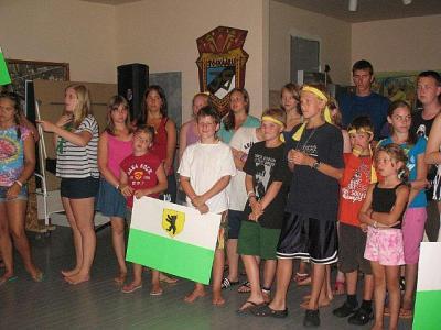 Pildile on jäänud osa mängunädala tegevused võitnud Pärnumaa võistkonnast.  - pics/2011/08/33156_1_t.jpg
