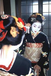 Maiko peegli ees - pics/2011/09/33485_1_t.jpg