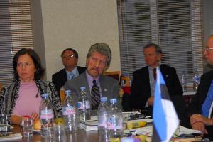Jaak Juhansoo ÜEKNi esimees ja Ivi Zajedova Tshehhi Eesti Selts - pics/2011/09/33609_2_t.jpg