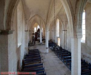 Kaarma kiriku sisevaade altari (ida) suunas. Foto: M. Viljus - pics/2011/10/33623_4_t.jpg