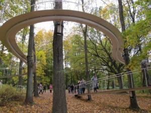 - pics/2011/10/33821_5_t.jpg