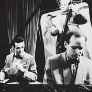 Pianisti rollis tundis Uno Naissoo ennast laval kõige mugavamalt, kuigi ta mängis ladusalt ka teisi pille. Hetk kontserdilt 1950ndatest, ühelt esinemiselt Swing Clubiga. Foto: Erakogu - pics/2011/12/34361_1.jpg