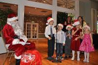Mudilased esitavad jõuluvanale jõululaule, foto Haidor Truu  - pics/2011/12/34512_1_t.jpg