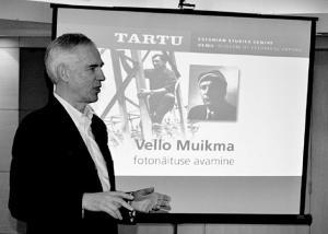 Jaan Meri tutvustab Vello Muikmad. Foto: Peeter Põldre  - pics/2012/01/34832_005_t.jpg