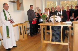Foto: Brüsseli koguduse avajumalateenistusel teenisid õpetajad Tõnis Nõmmik ja Jaan Tammsalu.   F: T. Pikkur  - pics/2012/01/34838_001_t.jpg