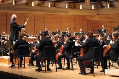 F: http://www.snuo.blogspot.com/ Tõnu Kaljuste ja Rootsi Rahvuslik Noorteorkester esinevad Washington, DC, Strathmore Music Center'is 27. jaanuaril 2012.  - pics/2012/02/35113_002_t.jpg