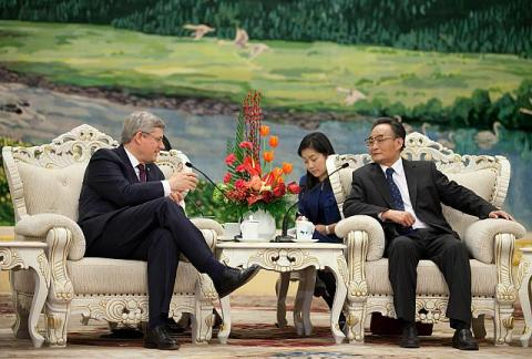 Beijing, China  - Prime Minister Stephen Harper meets with Wu Bangguo, Chairman of the National People's Congress, in the Great Hall of the People (Photo) - pics/2012/02/35135_002_t.jpg