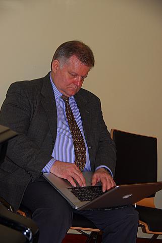ÜEKNi ajalugu kirjutab kokku arvamusliider Jüri Estam - pics/2012/04/35968_005_t.jpg