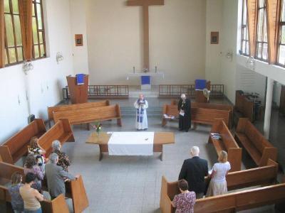 Reformatsiooni kirikus teenisid õpetajad Cesar Gogorza ja Tõnis Nõmmik.             Foto: T. Nõmmiku arhiiv - pics/2012/04/36124_002_t.jpg
