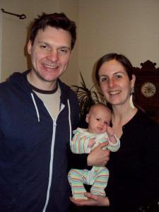 Värske perekond Remerowski: Chris, Karin (Marley) ja väike Vera. - pics/2012/05/36311_001_t.jpg