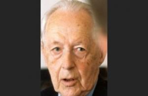 JÄLGIB MÄNGU: 70 aastat Eestist eemal viibinud Heldur Tõnisson on öelnud ära lugematuid kutseid kodumaale naasta. Küll jälgib ta tähelepanuga kõike, mida temast kirjutatakse. Toomas Huik - pics/2012/06/36779_001_t.jpg
