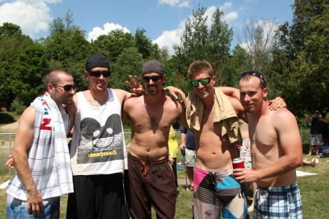 """Võrkpalliturniiri III koht, meeskond """"Mike Metta"""" - pics/2012/07/36869_009_t.jpg"""