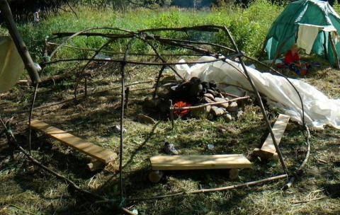 """The youth were greeted with tall grass, flowing river and a """"Metsa Sauna"""" created last year by Kasvataija Egon Ordras. - pics/2012/07/37054_021_t.jpg"""