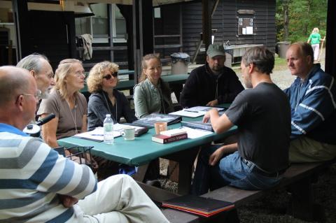 Janika Kronberg juhendab ühte paljudest eesti keele ja kõne gruppidest - pics/2012/08/37239_007_t.jpg