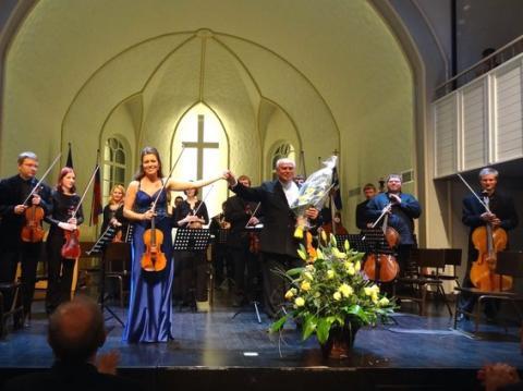 Kohtumiste peasündmuseks oli Peterburi Jaani kirikus toimunud Tallinna Kammerkoori kontsert Eri Klasi juhtimisel. - pics/2012/09/37537_001_t.jpg
