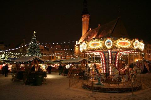 - pics/2012/12/38246_002_t.jpg