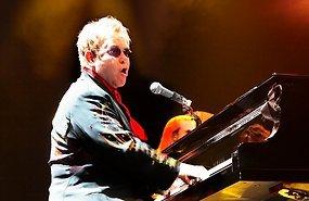 Elton John - pics/2013/06/39631_001.jpg