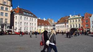 Town Hall Square is a popular gathering spot for Tallinn's tourists and local alike. Amy Laughinghouse - pics/2013/07/39990_001_t.jpg