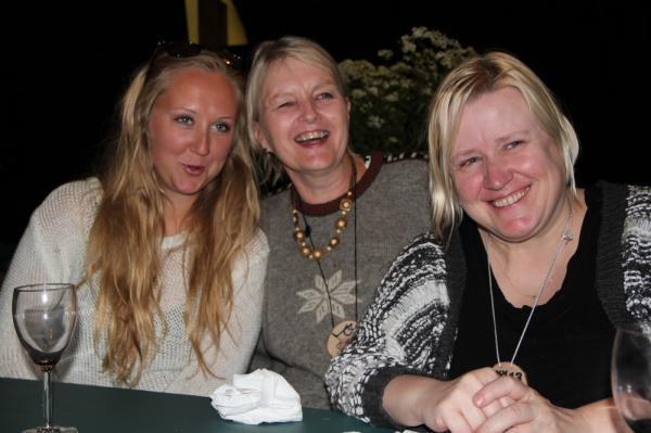 Vasakult Helena Doughty, Anne Õsso ja Kristi Doughty - pics/2013/08/40162_120_t.jpg