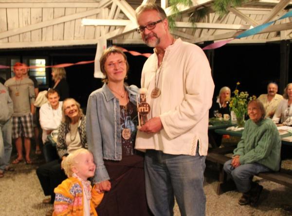 Riina Kindlam ja Metsaülikolli laureaat Mihkel Tombak - pics/2013/08/40162_144_t.jpg