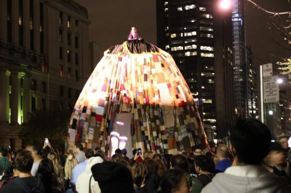 """""""Queen of The Parade"""" Lisa Anita Wegner ja Vanessa Lee Wishart - pics/2013/10/40437_016_t.jpg"""
