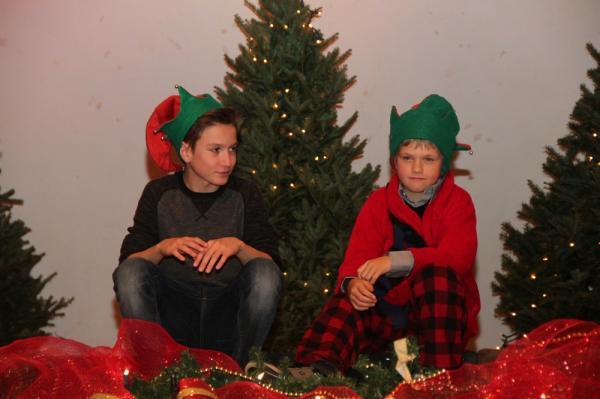 - pics/2013/12/40902_016_t.jpg