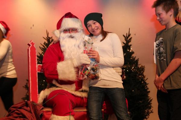 - pics/2013/12/40902_081_t.jpg