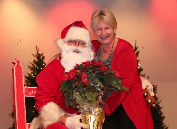 Jõulumees ja koolikomitee esinaine Elle Rosenberg - pics/2013/12/40902_104_t.jpg