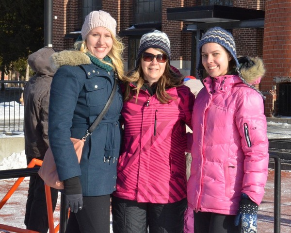 Põhjarada gaidlipkonna kolm värvirikast noorjuhti, vasakult Elli Kipper, Pia Poolsaar ja Talvi Parming. Foto: skm. Enno Agur - pics/2014/01/41057_001_t.jpg