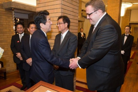 Baruto ja Jaapani peaminister - pics/2014/03/41649_002_t.jpg