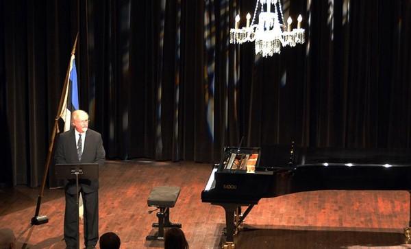 Karl J. Raudsepp, the President of the MES - pics/2014/03/41681_003_t.jpg