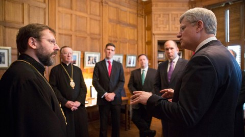 Prime Minister Stephen Harper meets with Patriarch Sviatoslav Shevchuk, Major Archbishop of the Ukrainian Greek Catholic Church, and Dr. Andrew Bennett, Ambassador to the Office of Religious Freedom, and discusses the situation in Ukraine. - pics/2014/05/42227_001_t.jpg