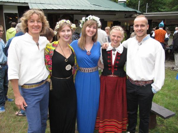 Ool Pärdi, Maarika Lepik, Elena Lepik, Tiina Hiis ja Hans Soots - pics/2014/08/42885_006_t.jpg