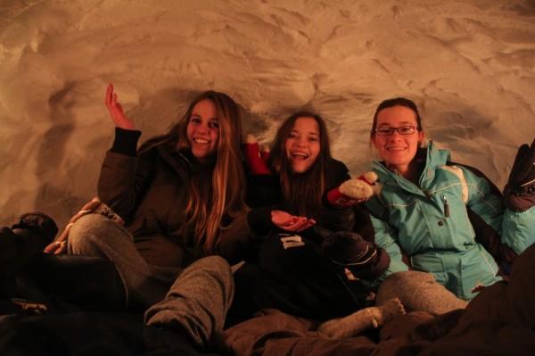 Kariina Järve, Seliina McConville ja Liina Sadul lumeonnis - pics/2015/02/44413_039_t.jpg