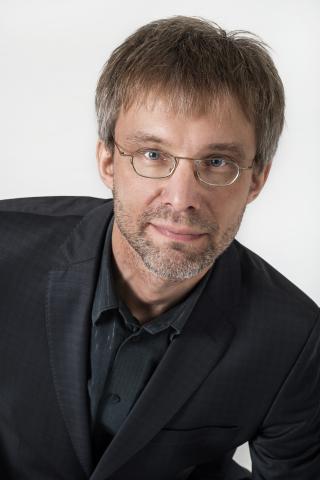 Dirigent Mikk Üleoja.   - pics/2015/05/44959_001.jpg