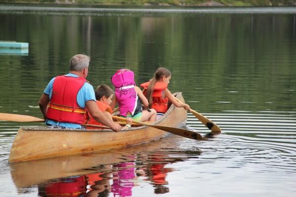 Toivo Träss oli üks laste kanuu huviringi juhendajatest - pics/2015/08/45661_044_t.jpg