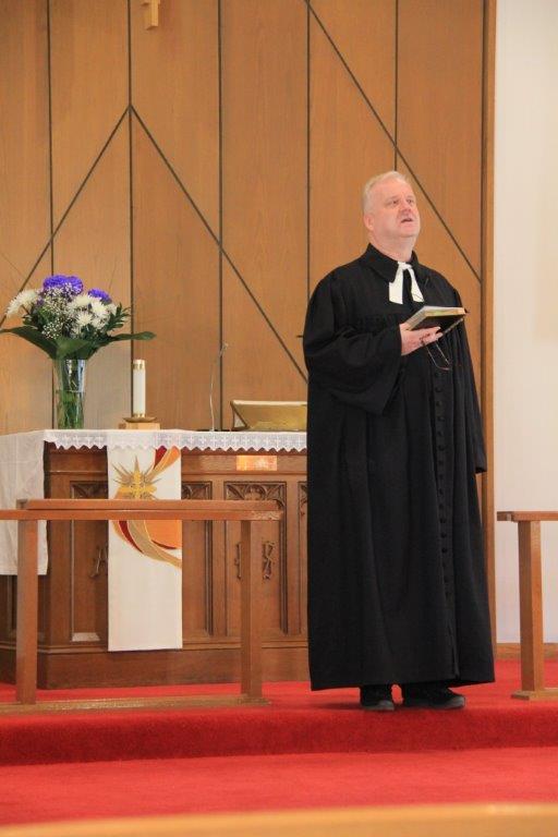 Toronto Vana-Andrese koguduse õpetaja Kalle Kadakas Agricola kirikus. - pics/2015/10/45942_001.jpg