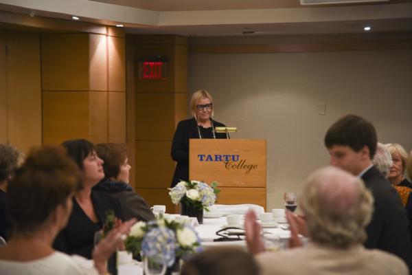 Õhtu avas EstDocs juhataja Kristi Sau-Doughty - pics/2015/10/46037_027_t.jpg