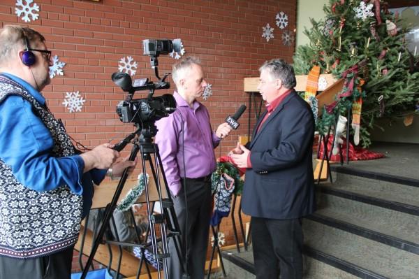 MP Peter van Loani intervjueerib Allan Meiusi, kaamera taga Vaado Sarapuu - pics/2015/12/46500_048_t.jpg