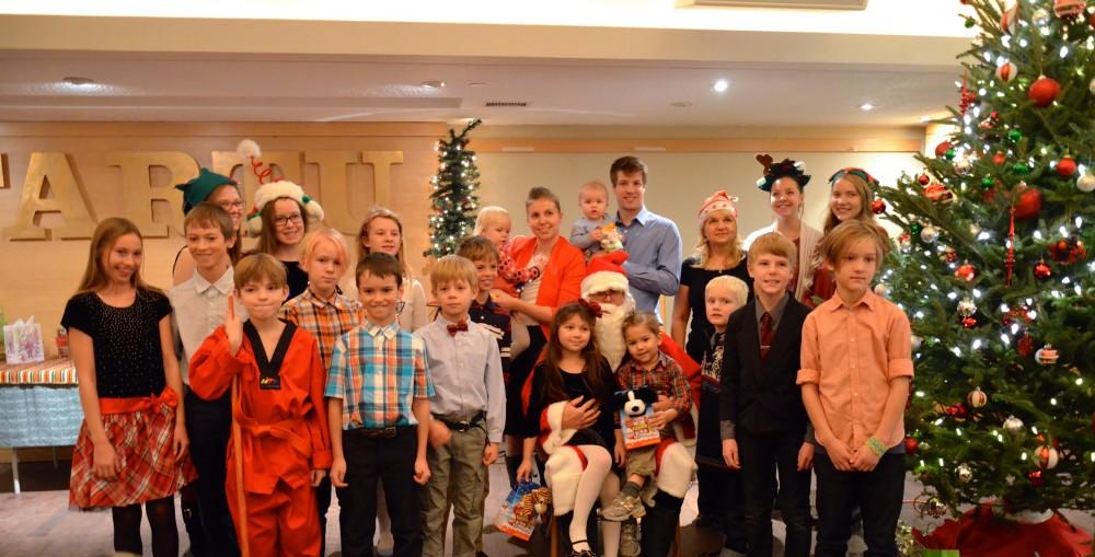 Mis oleks jõulud ilma laste, jõulupuu ja jõuluvanata. Foto: T. Tamtik - pics/2015/12/46590_001.jpg