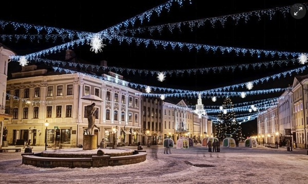 Tartu town hall square, decorated for Christmas. Photograph: Janno Loide  - pics/2015/12/46641_001_t.jpg
