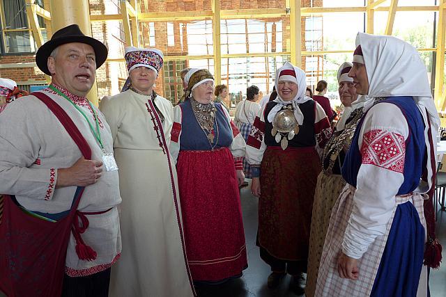 Eesti setod.  Setodel oli soomeugri kongressil väljas eestlaste kõrval oma delegatsioon, nad esindasid Seto kultuuri.  - pics/2016/06/47833_013.jpg