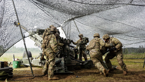 "US troops fire a M777 Howitzer during combat rehersals for the ""Saber Strike"" exercise in Tapa, Estonia last month. Photo: Andrejs Strokins - pics/2016/07/47921_001.jpg"