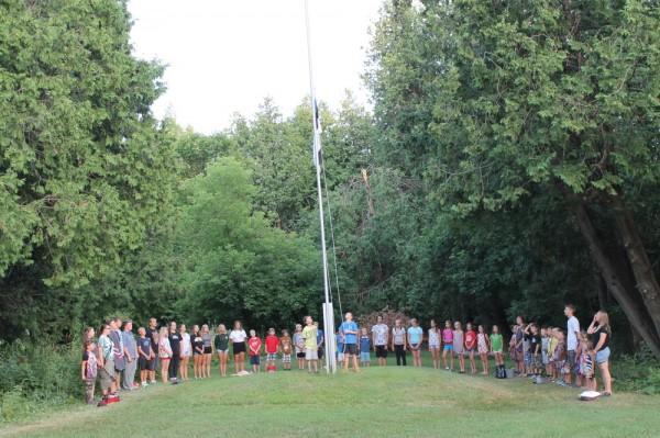 Lipu langetamine ja noorte rongkäik lõkkeplatsile - pics/2016/07/48051_006_t.jpg