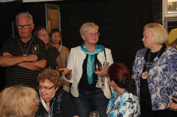 EKK gruppi tutvustab Anne-Ly Reimaa (keskel) - pics/2016/08/48174_019_t.jpg