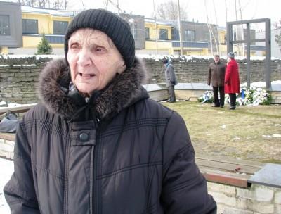 Linda Arumaa isa Aleksander-August Arumaa (14.09.1892 - 18.03.1944) oli üks märtsipommitamise ohvritest. Ta kaotas pommitamise käigus jala, kuid suri mõned päevad hiljem veremürgitusse. Linda oli siis 12 aastane tüdruk. - pics/2017/03/49365_003_t.jpg